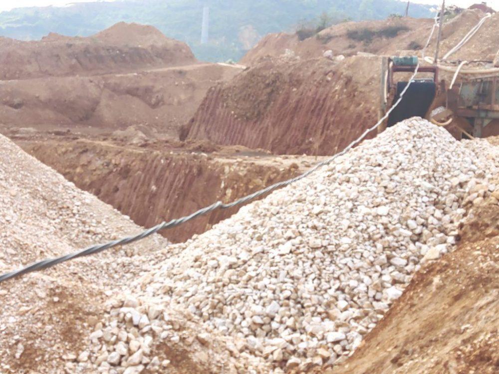 Mỏ đá thạch anh có trữ lượng lớn tại Bắc Kạn